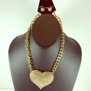 5/$25 Gold Chain heart Statement necklace set